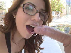Isabella De Santos gives sloppy blowjob and deepthroat