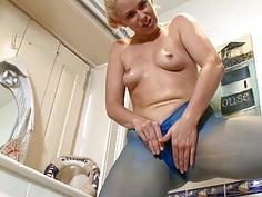 Pantyhose Blonde Masturbates In Bath
