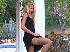 Sasha blonde posing in Stockings