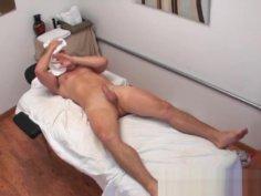 Oriental masseuse caught cocksucking