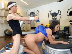 Ginebra Bellucci gets assfucked by Jordi in the gym