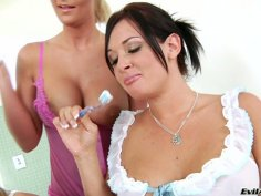 Teeth brushing with Tory Lane, Jessica Moore, Phoenix Marie and Jennifer White