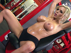 Nina Elle having naked workout in the gym